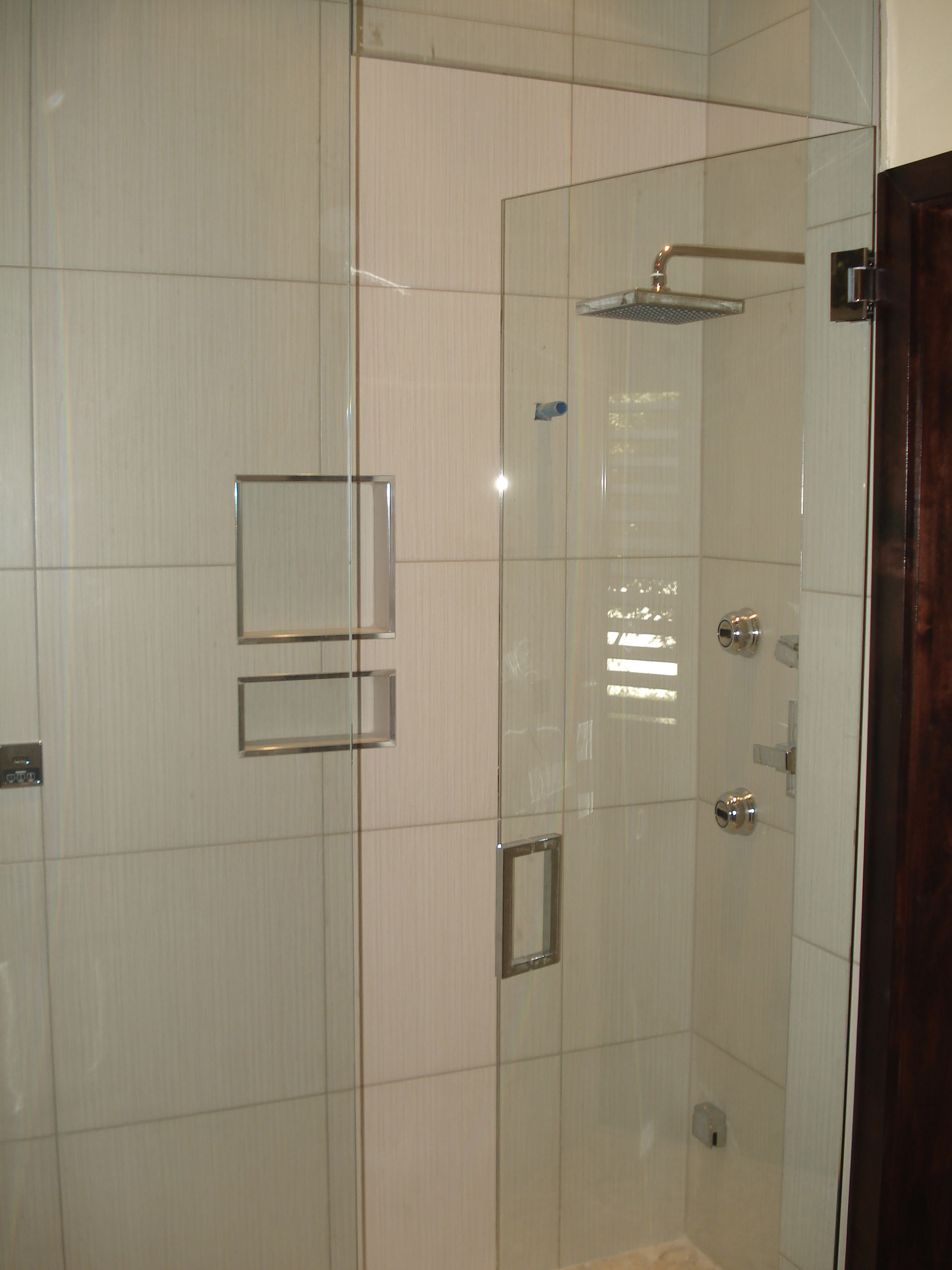 Frameless Modern Shower